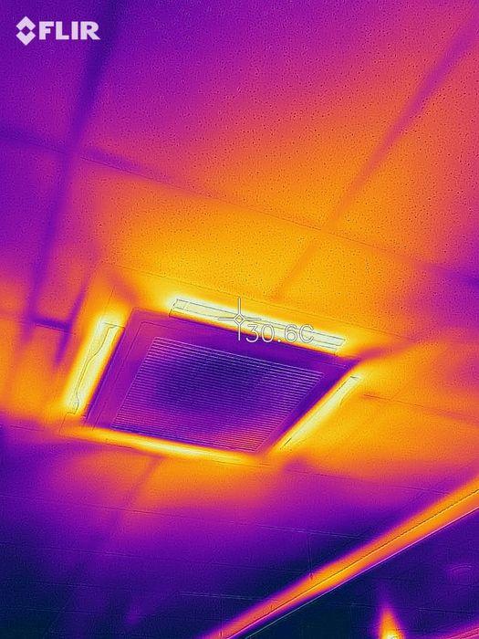 Zdjęcia termowizyjne mostki termiczne szczelność okien ogrzewania Warszawa - image 1