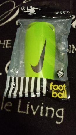 Щитки для футболу