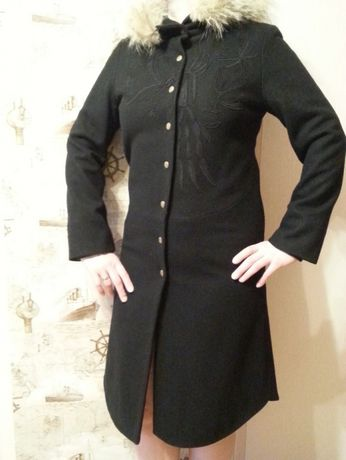Пальто полушерсть с вышивкой