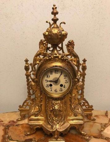 Каминные бронзовые часы !
