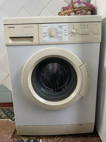 Продам на запчасти стиральную машину.