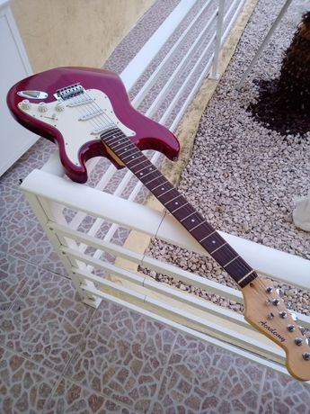 Guitarra elétrica nova