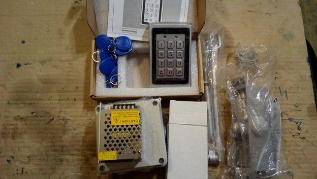 Электронный кодовый замок на подъезд