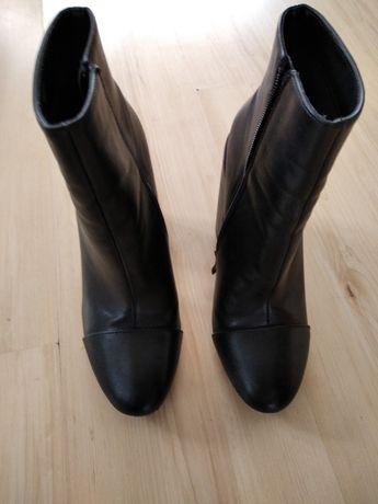 Czarne botki  damskie 38
