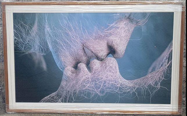 Quadro em tela emoldurado o Beijo