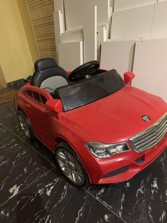 Дитячий електричний автомобіль, пульт, зарядка, батарея тримає
