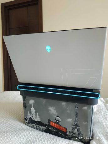 Dell Alienware m17 R3/i7-10875H/RTX 2070/1 TB SSD+512 GB/32GB/17,3 UHD
