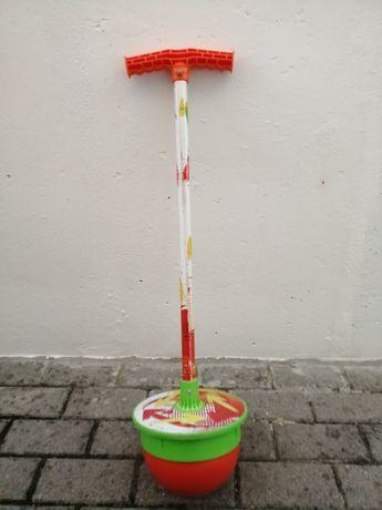 Brinquedo  de criança saltitão