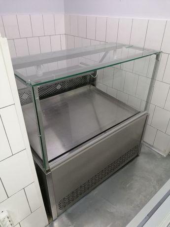 Холодильные мясные витрины