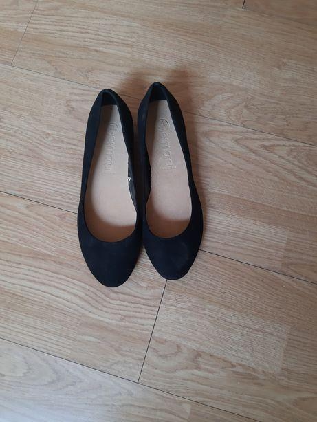 Esmara buty czarne na obcasie lakierowanym