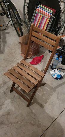 Cadeira de madeira Ikea