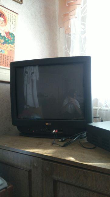 Продам телевизор LG б/у диогональ 51 см