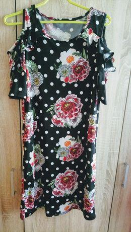 Sukienka w grochy modna hiszpanka