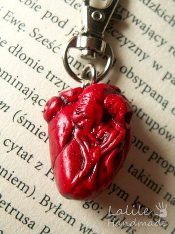 Anatomiczne serce Brelok na Walentynki realistyczne serce Nerd Geek