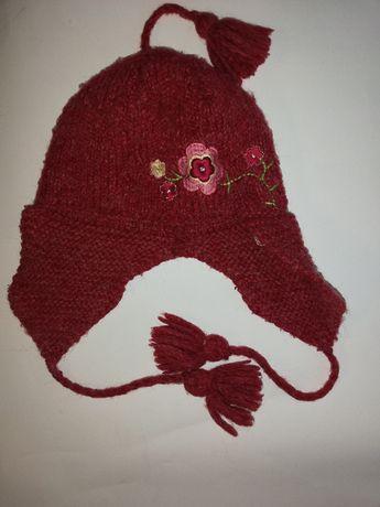 Ładna czapka wełniana na chłodniejsze dni – na 6 lat