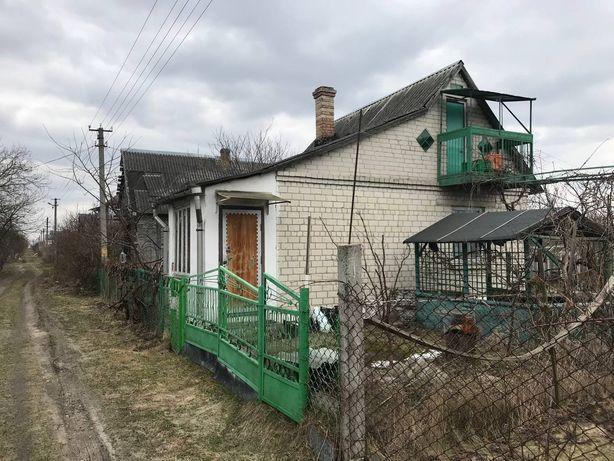 Газифікований будинок, дача в Новоукраїнці з виходом до озера.