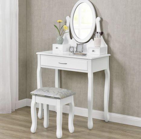 Toaletka biała z krzesełkiem