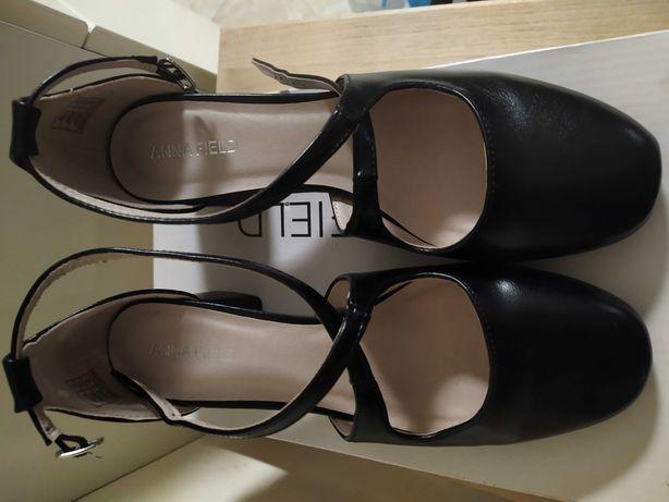 Buty czarne marki Anna Field r.38
