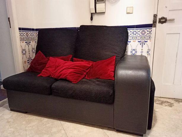Vendo sofá ,cor preta