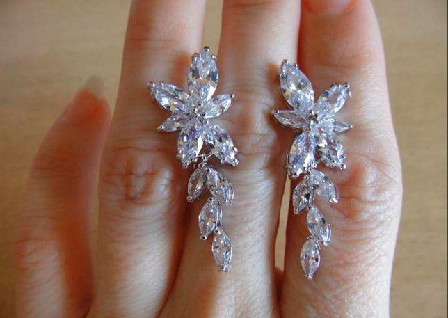 Eleganckie Kolczyki ślubne z kryształkami