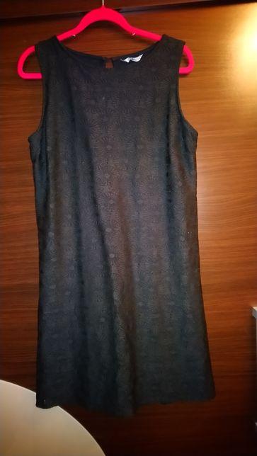 Czarna koronkowa sukienka rozmiar 44