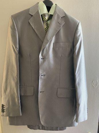 Продам свадебный, выпусной костюм, размер 50/176