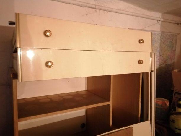 Meble łóżko szafki bielizniarka
