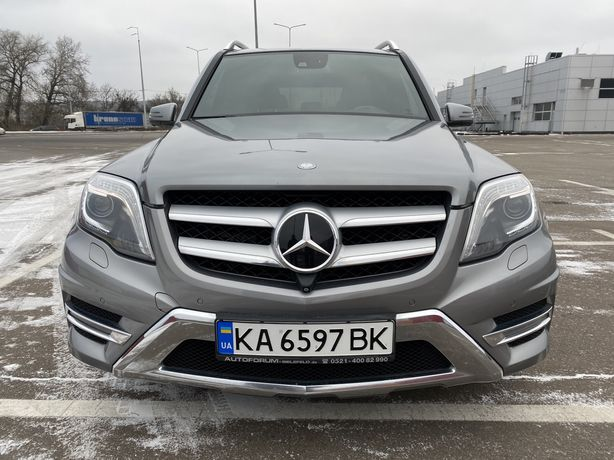 Продам машину Mercedes-Benz GLK
