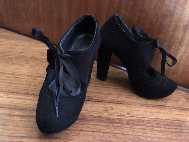 Sapatos altos (35)