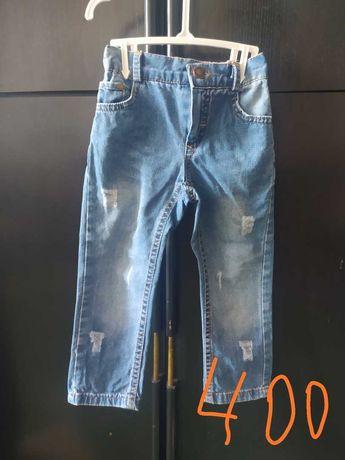 летние рваные джинсы , до 3х лет