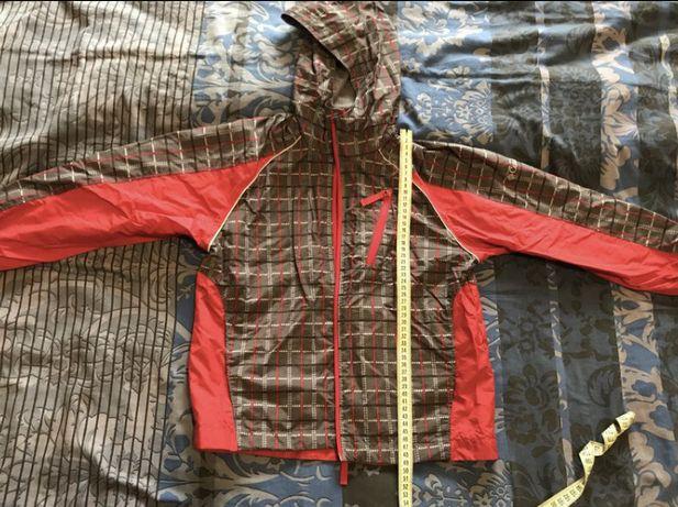Куртка ветровка Columbia, р.134. 260 грн.