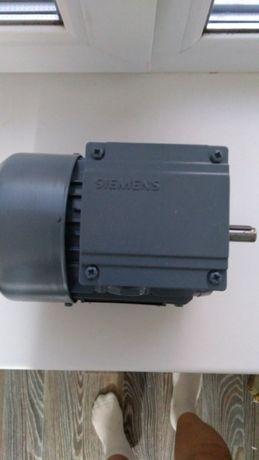 Продам 99-076366 - Sweep Motor - Мотор граблей боулинга Brunswick