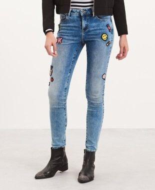reserved jeansy rurki slimy z naszywkami rozm XS