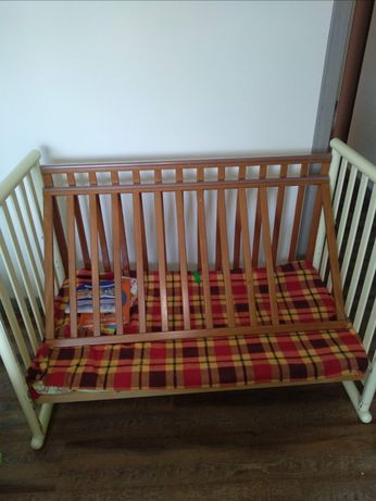 Кроватка с матрасиком