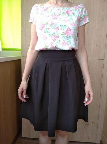 юбка чорна