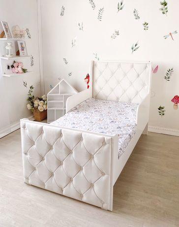 Кроватка для малыша, кровать детская, стул, стол, мебель