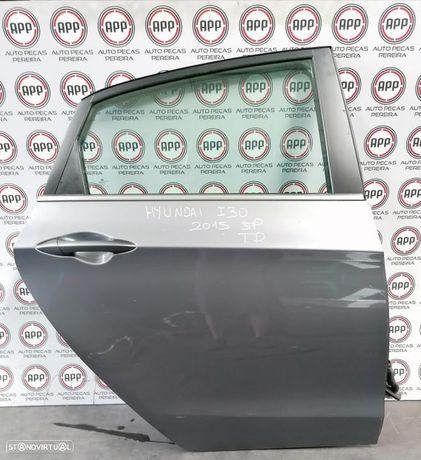 Porta Hyundai I30 de 2015 traseira direita 5 portas.