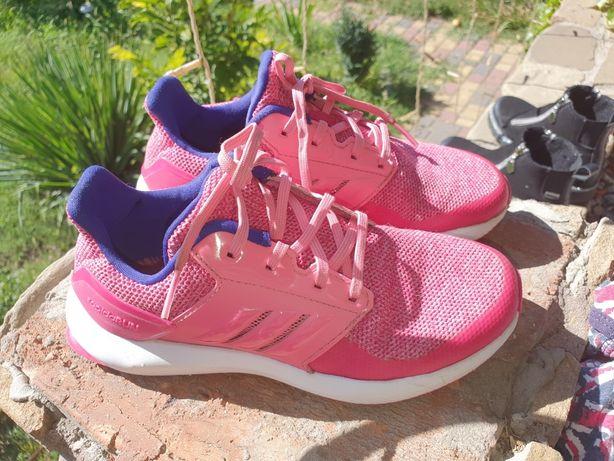 Кроссовки Adidas p.33 летний вариант.