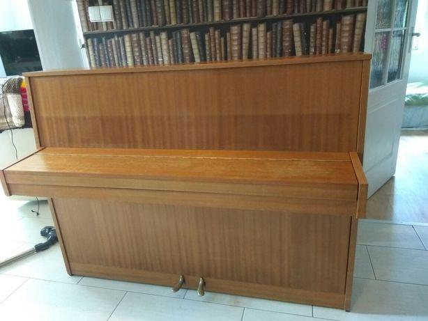 Pianino Fazer + stołek gratis