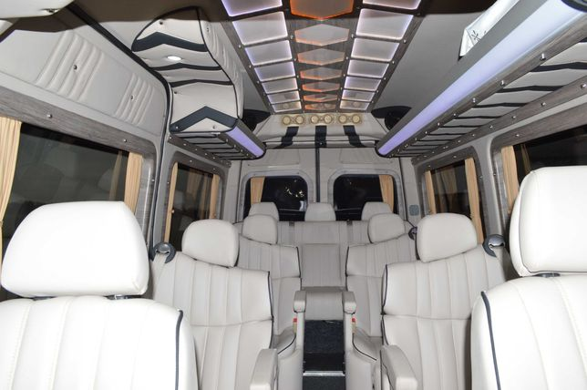 заказ аренда микроавтобуса пассажирские перевозки Одесса VIP трансфер