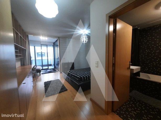 Apartamento T0 mobilado e equipado para arrendar