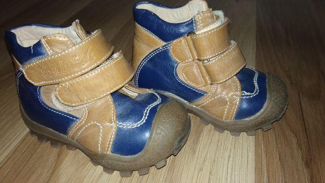 Шкіряні черевики, чобітки