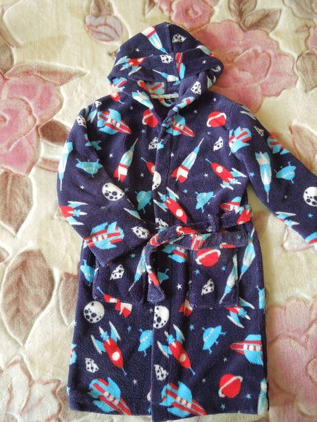 Халат детский теплый с капюшоном.