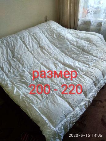 Двухспальное, евро, гипоаллергенное одеяло.