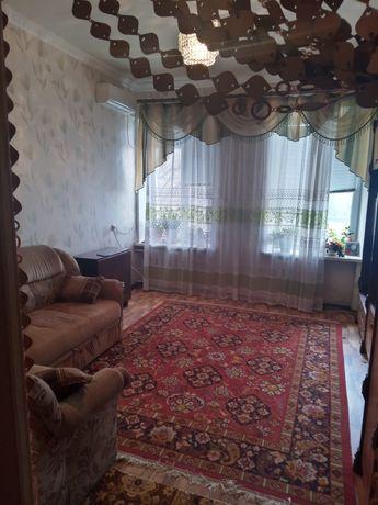 Продаеться 2 комнатная Сталинка на Дзержинке по пр. Мара 24