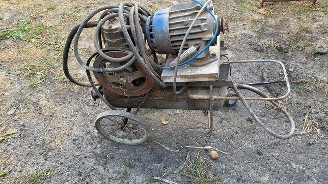 Компресор з мотором