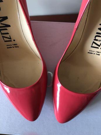 Продам шикарные лаковые туфли Nando Muzi оригинал 38 р