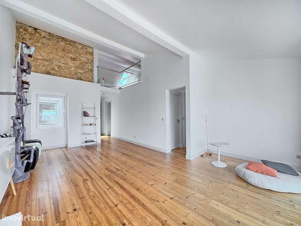 Apartamento T2 + 1 para arrendar, sem móveis em Campo Ourique