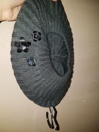 Nowy beret damski
