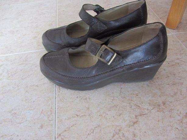 Sapatos em pele - baixa de preço